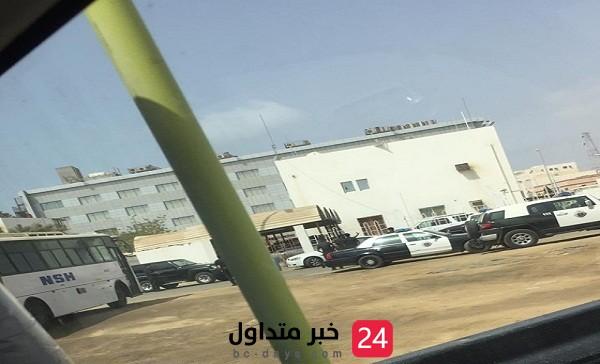 شاب يطلق النار من مسدسه على عمه أمام المحكمة العامة بجازان