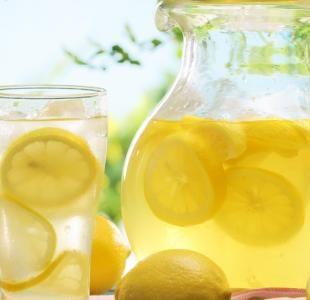 فوائد صحية ستجعلكم تحرصون على تناول عصير الليمون في الإفطار